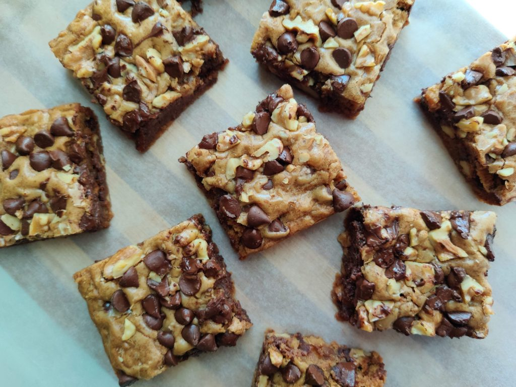 chocolate chip walnut blondies